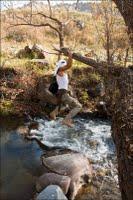 Հովհաննեսը գետ ա անցնում :)